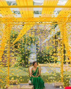 Desi Wedding Decor, Wedding Hall Decorations, Marriage Decoration, Wedding Mandap, Backdrop Decorations, Flower Decorations, Wedding Backdrop Design, Wedding Receptions, Wedding Bride