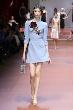 dolce-and-gabbana-winter-2016-women-fashion-show-runway-05-zoom