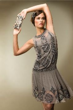 I don't know what it is about flapper style, but it has me.