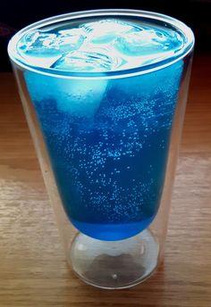 Blue Ocean Cocktail mit Wodka und Limette, ein gutes Rezept aus der Kategorie Longdrink. Bewertungen: 11. Durchschnitt: Ø 3,7.