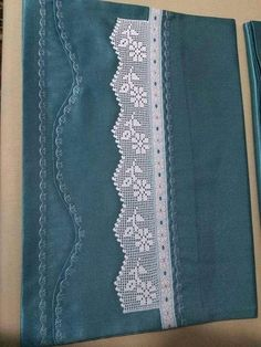 This Pin was discovered by Sou Baby Afghan Crochet Patterns, Crochet Borders, Crochet Motif, Crochet Doilies, Crochet Lace, Filet Crochet, Crochet Daisy, Tunisian Crochet, Easy Crochet Headbands