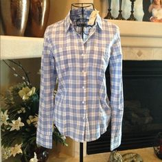 American Eagle collared button up shirt American Eagle blue/white shirt for western look. Looks super cute with jeans or jean shorts with boots. Light fabric for cool days. 100% cotton American Eagle Outfitters Tops Button Down Shirts
