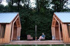 C'est sans aucune formation en architecture ou en design que Caspar Schols s'est lancé dans la construction de cette structure après que sa mère lui ai dem