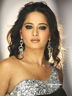 Anushka photo gallery - Telugu cinema actress