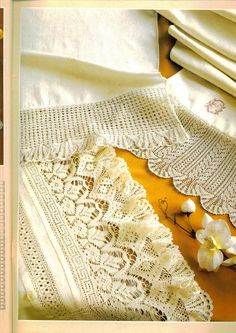 Crochet: Grecia Lace - maomao - Mi muovo i piedi Crochet Lace Edging, Crochet Borders, Thread Crochet, Crochet Trim, Filet Crochet, Crochet Flowers, Crochet Stitches, Crochet Patterns, Bruges Lace
