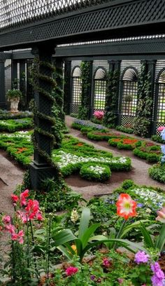 Flowers ▇  #Home ❀ #Landscape #Design via Christina Khandan, Irvine California ༺ ℭƘ ༻