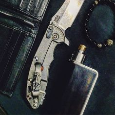 ⚓️ #knifeedc ⚜  #hinderer #hindererknives #hindererxm18 #steelflame #steelflamejewelry #steelflamejunkies #zeromod #hotcig #derringer #derringerrda #vapelife #vape #boxmod #chromehearts #knifeporn #knifenut #chromeheartsbracelet
