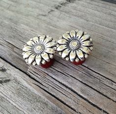 Organic Silver Daisy Flower Bloodwood Plug Gauges for Stretched Ears Sizes range from 2g (6mm) through 1 inch