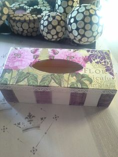 Caja de pañuelos... Decoupage, Stencils, Decorative Boxes, Home Decor, Craft, Tissue Boxes, Shapes, Homemade Home Decor, Templates