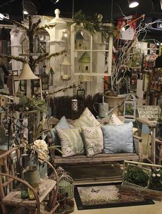 Need a little in-store display inspiration? Discover 4 tips that will keep your displays fresh, eye-catching, and most importantly, attractive to customers. I've peppered in a few photos from our s… Antique Booth Displays, Antique Mall Booth, Antique Booth Ideas, Vintage Display, Vintage Store Displays, Gift Shop Displays, Craft Show Displays, Retail Displays, Window Displays