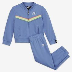 Nike Baby Girl Clothes, Toddler Nike Outfits, Toddler Nikes, Cute Baby Clothes, Retro Sportswear, Nike Sportswear, Color Pop, Color Blue, Adidas Jacket