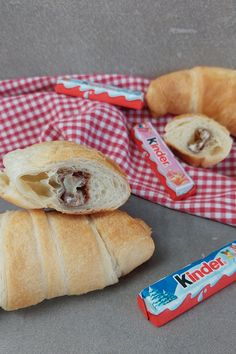 Hot Dog Buns, Hot Dogs, Croissant, Dessert, Bread, Food, Cooking, Savory Foods, Yummy Food