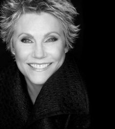 Morna Anne Murray CC ONS (born June is a multiple award-winning Canadian singer in pop, country, and adult contemporary music whose albums have sold over 54 million copies worldwide as of Country Musicians, Country Music Artists, Country Music Stars, Country Singers, Women Of Rock, Gospel Music, Female Singers, Pop Music, Blues Music