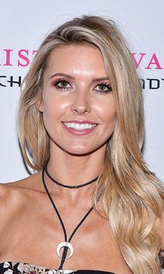 audrina-patridge-bio-photo.jpg (330×550)