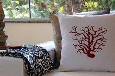 zpr Decor que amamos! Almofada Coral bordada (R$110 un) almofada bege em linho açores (R$60 un) e lupa em fio de seda trançado bordô (R$35 un) #chezmoi #homedecor #lifestyle #interiores #decorando #decorandocomclasse #almofadas #almofada #coral #linho #decor #decoracao #decoration #ecommerce #ecommercebrasil #ribeiraopreto #saopaull
