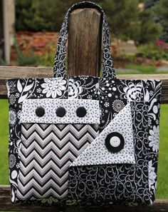 Quilted Bag - Her Crochet Fabric Handbags, Fabric Purses, Fabric Bags, Purses And Handbags, Fabric Basket, Coin Purses, Quilted Purse Patterns, Tote Pattern, Bag Patterns To Sew