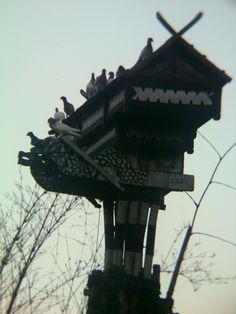 endemic pigeons of Indonesia on their home... #dovecote #pigeonhouse #بيت_الحمام #برج_الحمام