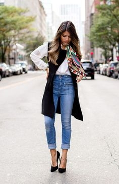 High Waisted Outfit Gallery the ultimate styling tips how to wear high waisted jeans High Waisted Outfit. Here is High Waisted Outfit Gallery for you. High Waisted Outfit the ultimate styling tips how to wear high waisted jeans. Look Casual Chic, Estilo Casual Chic, Look Chic, Casual Looks, Casual Chic Summer, Casual Fridays, Smart Casual, Casual Fall, Long Vest Outfit