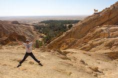 El oasis de montaña de Chebika en el desierto de Túnez, con su muflón y un salto