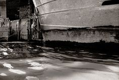 Along the Thames with #JohnClaridge, Ship maintenance, 1964 Print is available for sale, for more info contact: #NickyAkehurst To see more: https://lnkd.in/ditbSZd - Along the Thames and Views from a Dinghy  #johnclaridge #thames #london #eastend #photographs #nickyakehurst #totallythames #takemetotheriver #lighter #boats #docks #industry #shipping #fog #pollution #silvertown #spitalfieldslife #monograph #silvertown