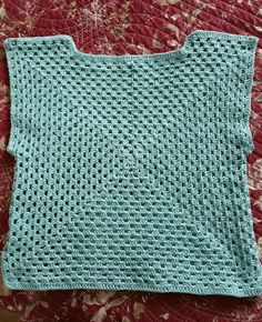 - Page 4 - Granny mania ! T-shirt Au Crochet, Point Granny Au Crochet, Crochet Baby Blanket Beginner, Pull Crochet, Stitch Crochet, Crochet Tunic, Granny Square Crochet Pattern, Crochet Blanket Patterns, Christmas Crochet Blanket