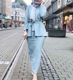 Fashion Hijab Sweety on Today Hijab Look, Hijab Style, Hijab Chic, Abaya Fashion, Muslim Fashion, Modest Fashion, Fashion Dresses, Women's Fashion, Fashion Trends