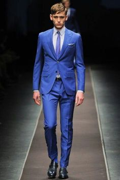 """Picks from Milan Fashion Week Canali """"The heightened blue suit. A new summer blue for business.""""—Ted Stafford, GQ fashion market directorCanali """"The heightened blue suit. A new summer blue for business. Navy Pinstripe Suit, Blue Suit Men, Blue Suits, Suit Combinations, Gq Fashion, Milan Fashion, Three Piece Suit, Fashion Marketing, Wedding Suits"""