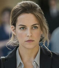 Riley Keough, Elvis And Priscilla, Beautiful Actresses, Pretty Face, Beautiful People, Facial, Movies Wood, Female, Portrait