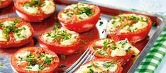 Sinihomejuustolla täytetyt tomaatit | Lisäkkeet | Reseptit – K-Ruoka Finnish Recipes, Keto Recipes, Healthy Recipes, Vegetarian Keto, Vegetable Recipes, Bon Appetit, Tapas, Side Dishes, Food And Drink