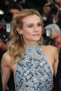 Loose waves and glowing skin like Diane Kruger's are a timeless beauty look to try for any Summer event.