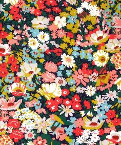 Liberty print Thorpe, tana lawn from the Liberty Art Fabrics collection. Art Floral, Motif Floral, Floral Design, Floral Prints, Floral Fabric, Fabric Flowers, Art Prints, Textile Patterns, Textiles