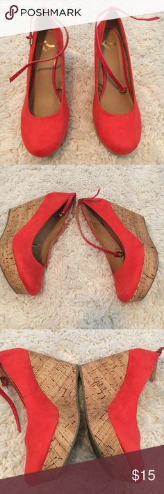 Report wedges! Bright burnt orange faux wood wedges! Worn a handful of times but still in great condition! Ankle strap is removable and wedges won't slide off. I wore both ways. A few very small marks on orange part but faux wood heel has no marks. Open to offers!! Report Shoes Wedges