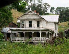 Abandoned house in Sycamore, Virginia
