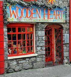 Quaint Irish Shop! I have actually been here! Super cute shop!