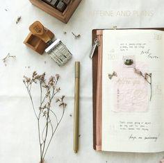 w.21 | Personal Journal . . .#flatlay #flatlaytoday #layout #phonephotography #oppo #stationeryholic #journal #journaling #plannergirl #plannernerd #stationery #instaplanning #midori #travelersnotebook #midorimd #midoritn #loveforanalogue #travelerscompany #midoritravalersnotebook #paperlover #vintage #thedailywriting Hobonichi, Phone Photography, Travelers Notebook, Caffeine, Journals, Nerd, Stationery, Layout, How To Plan
