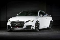 2017 ABT Audi TT RS-R : Les plus grosses modifications se trouvent pourtant sous le capot. L'exceptionnel cinq cylindres 2.5 bénéficie d'une bonne cure de vitamines. Il passe de 400 à 500 ch pour un couple de 570 Nm et promet une sonorité exceptionnelle avec un échappement inox.