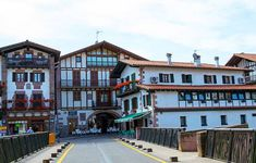 Tourist Spots, Pamplona, Vignettes, Natural Beauty, Spain, Around The Worlds, Mansions, House Styles, Travelling