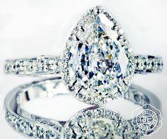 Perhaps the prettiest Pear-shaped diamond engagement ring.  #Tacori #Dantela #HandcraftedInCalifornia