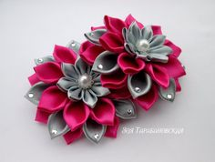 Saving this for the color scheme, very pretty Diy Lace Ribbon Flowers, Ribbon Flower Tutorial, Cloth Flowers, Kanzashi Flowers, Ribbon Art, Leather Flowers, Diy Ribbon, Fabric Ribbon, Ribbon Crafts