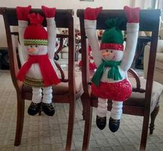 I want to crochet these Christmas Elf Doll, Christmas Chair, Primitive Christmas, Felt Christmas, Christmas Time, Clay Christmas Decorations, Christmas Tree Toppers, Diy Christmas Ornaments, Holiday Decor