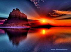 Big, beautiful sunsets from a big man chair. Big Moon, Holiday Places, Sunset Art, Beautiful Sunset, Beautiful Images, Nature Photos, All Over The World, Scenery, The Incredibles