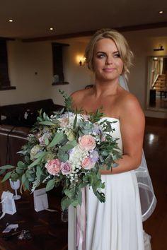 Bridal Bouquets, Floral Bouquets, Summer Wedding, Wedding Day, Wedding Flowers, Wedding Dresses, Bride, Fashion, Flower Bouquets