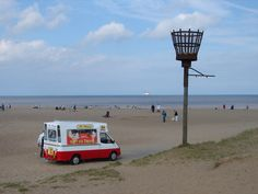 :: Skegness Beach, Beacon and Drilling Platform, near to Skegness, Lincolnshire, Great Britain by Ian Paterson Short Break, Seaside Towns, Nottingham, Great Britain, Yorkshire, Lincoln, Countryside, Drill, Catering