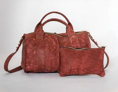 Duffel Distressed Red