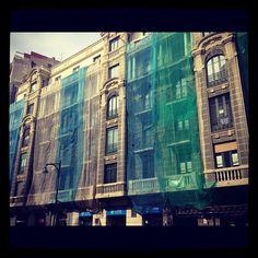 Edificios enredados - @andystalmansaba