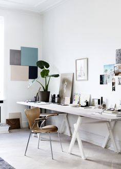 Home with character in Copenhagen - via cocolapinedesign.com Pastel Walls, Gravity Home, Office Inspo, Office Desk, Home Office, Office Spaces, Design Consultant, Buero, Study Room Decor
