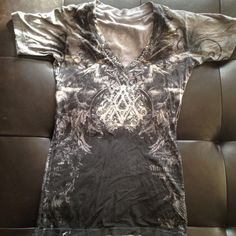 Archaic affliction shirt Archaic Affliction shirt. Has a flaw picture of it is located on pic 3. Black and grey in color Affliction Tops Tees - Short Sleeve