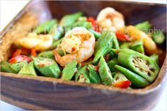 Okra or ladies' finger is a healthy vegetable. Sambal okra is one of the best okra recipes using fresh okra, shrimp and sambal sauce. Yummy Vegetable Recipes, Okra Recipes, Side Dish Recipes, Seafood Recipes, Dinner Recipes, Cooking Recipes, Malaysian Cuisine, Malaysian Food, Easy Asian Recipes
