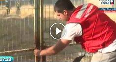 Prestável Voluntário Proporciona Momento Cómico Ao Tentar Ajudar Bombeiros Durante Incêndio