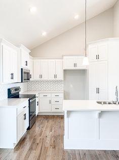 White Kitchen Cupboards, All White Kitchen, Subway Tile White Kitchen, White Kitchen Flooring, White Kitchen Decor, Subway Tiles, Modern Farmhouse Kitchens, Home Kitchens, Kitchen Interior